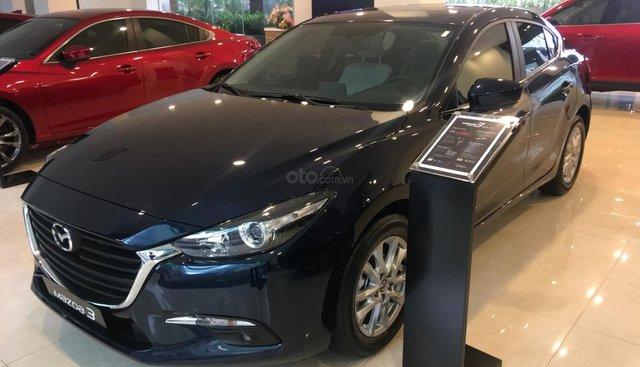 Mazda 3 giảm tới 25 triệu - Lấy xe với 180 triệu, lãi suất tốt, quà tặng hấp dẫn, gọi ngay 0972 627 138