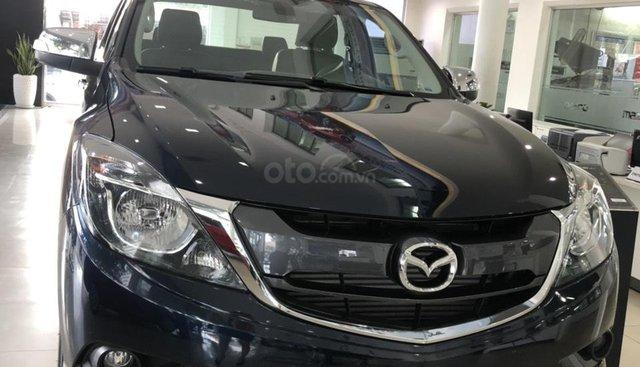 Cần bán Mazda BT 50, màu xanh đen, khuyến mãi lớn - liên hệ: 0906.612.900