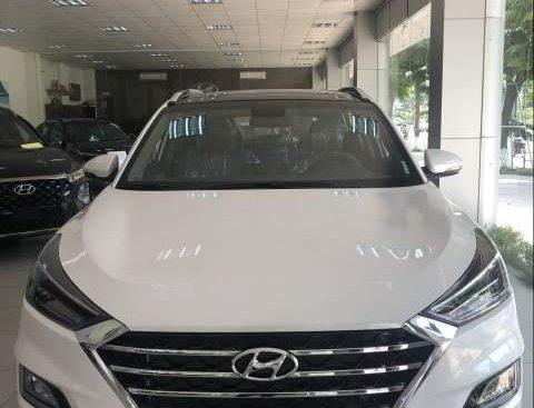 Bán Hyundai Tucson sản xuất 2019, màu trắng, nhập khẩu