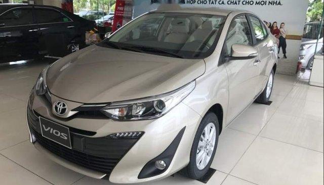 Bán Toyota Vios năm sản xuất 2019, màu vàng, giá 566tr