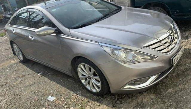Bán Hyundai Sonata đời 2010, màu bạc, xe nhập, số tự động