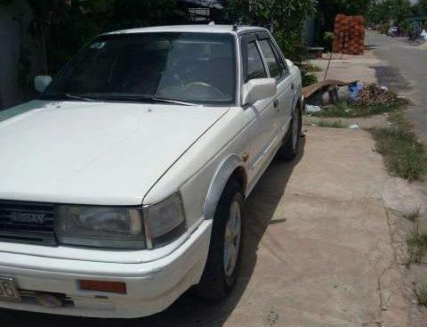 Bán Nissan Bluebird 1986, màu trắng, nhập khẩu, giá chỉ 32 triệu