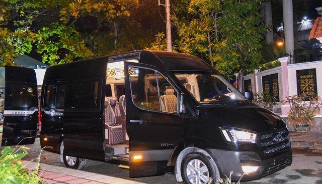 Bán xe Hyundai Solati Limousine bản thương mại 12 chỗ