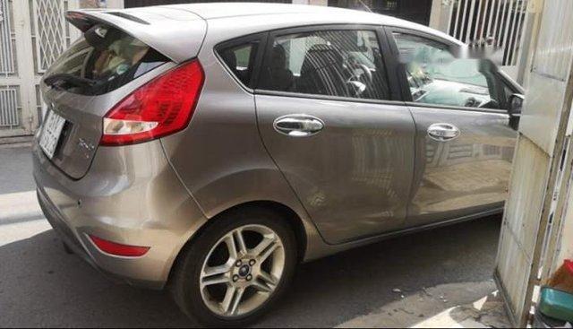 Bán Ford Fiesta đời 2011, màu xám