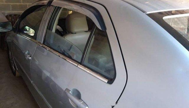 Cần bán xe Toyota Vios năm 2010, màu bạc, nhập khẩu