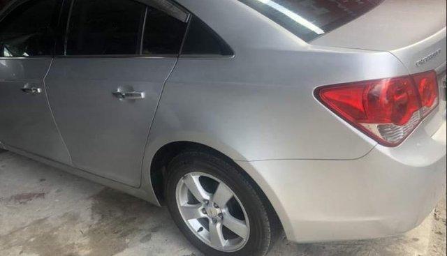 Bán xe Chevrolet Cruze năm sản xuất 2011, màu bạc, nhập khẩu chính chủ, 320tr