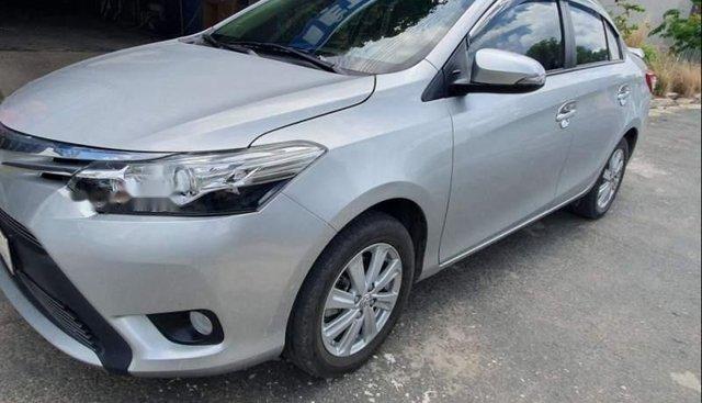 Bán xe Toyota Vios đời 2017, màu trắng, nhập khẩu nguyên chiếc chính chủ, giá tốt