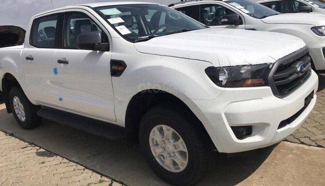 Bán ô tô Ford Ranger XLS 2.2L 4x2 AT đời 2019, màu trắng, nhập khẩu nguyên chiếc