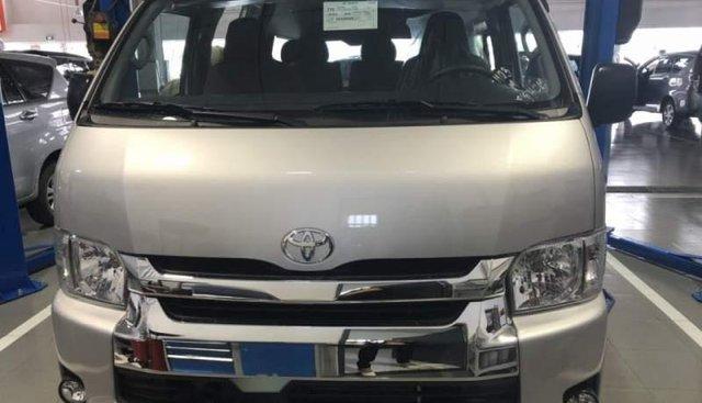 Bán xe Toyota Hiace năm sản xuất 2019, màu bạc, nhập khẩu nguyên chiếc, giá chỉ 819 triệu