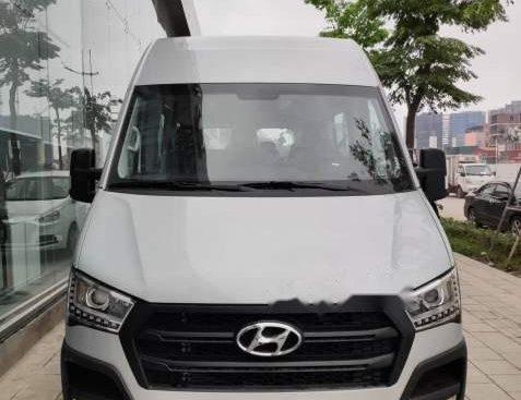 Cần bán xe Hyundai Solati năm 2019, màu bạc, nhập khẩu