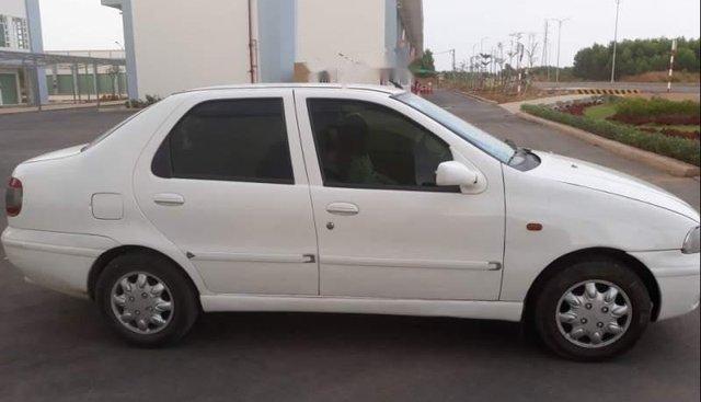 Bán Fiat Siena 2004, màu trắng, nhập khẩu, xe đẹp từ trong ra ngoài
