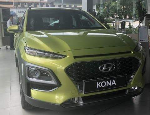 Bán Hyundai Kona 1.6 Turbo đời 2019, màu xanh cốm