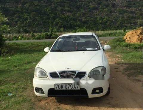 Bán Daewoo Lanos MT 2003, màu trắng, xe đẹp
