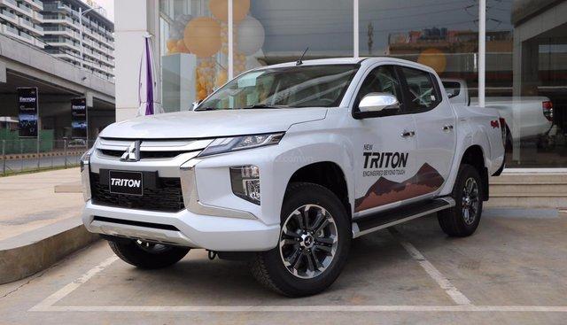 Cần bán xe Mitsubishi Triton 4x4 AT 2019, màu trắng, nhập khẩu nguyên chiếc