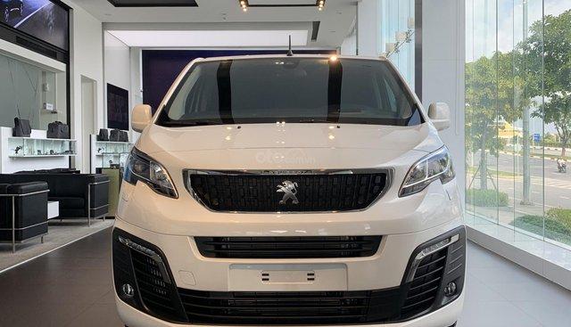 Sư tử thương gia Pháp - Peugeot Traveller Luxury - MPV - 7 chỗ