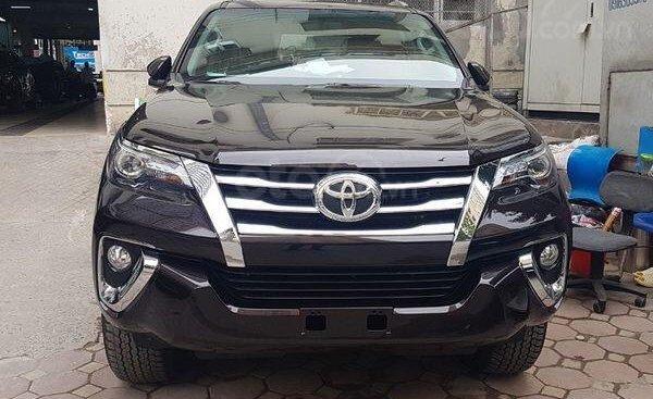 Bán Toyota Fortuner xe mới 100%, khuyến mại lớn, xe sẵn giao ngay