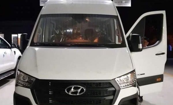 Cần bán xe Hyundai Solati 2019, màu trắng