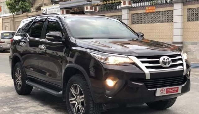Cần bán Toyota Fortuner G 2.4MT sản xuất năm 2017, màu đen, nhập khẩu nguyên chiếc số sàn