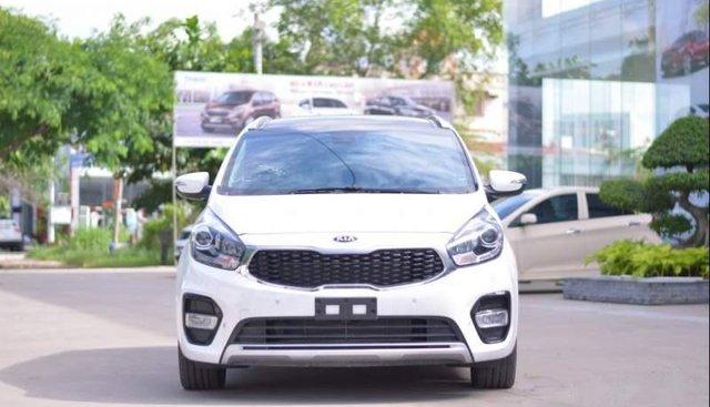 Cần bán xe Kia Rondo sản xuất 2019, màu trắng