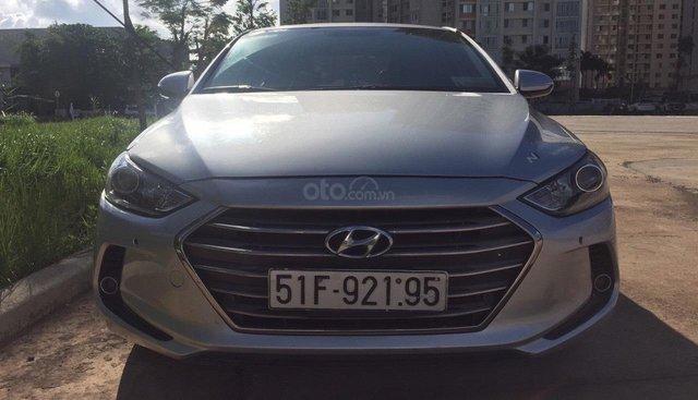 Cần thanh lý Hyundai Elantra 2.0 AT đời 2016 màu bạc, odo: 57.000km xe đẹp giá tốt