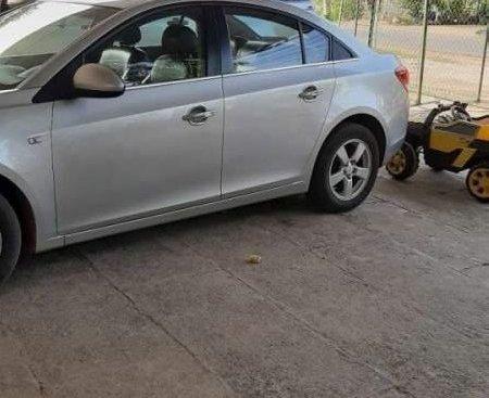 Bán Chevrolet Cruze đời 2014, màu bạc, giá 360tr