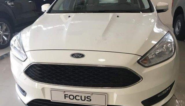 Cần bán xe Ford Focus năm sản xuất 2019, màu trắng