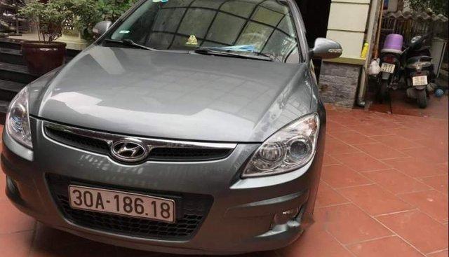 Bán gấp Hyundai i30 năm sản xuất 2009, màu xám, chính chủ