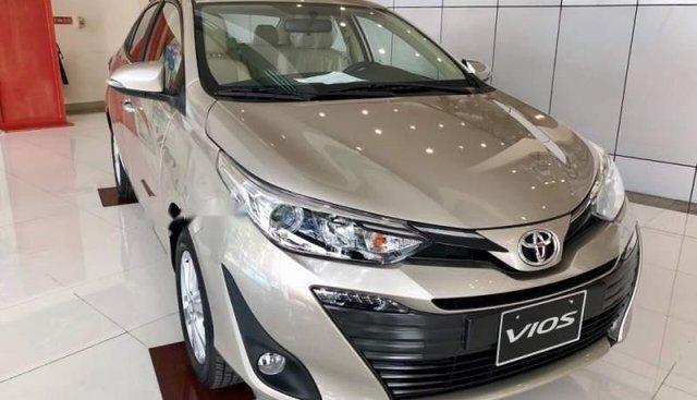 Bán xe Toyota Vios 2019, màu vàng, giá tốt