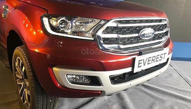 Bán Ford Everest Titanium đời 2019, màu đỏ, xe nhập