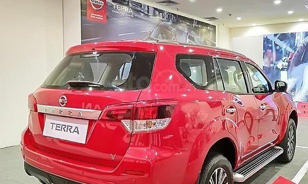 Bán Nissan Terra V 2.5 AT 4WD sản xuất năm 2018, màu đỏ, 2 cầu, máy xăng số tự động