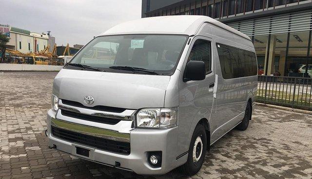 Bán Toyota Hiace sản xuất năm 2018, màu bạc, nhập khẩu, giảm ngay 169 tr chỉ còn 830tr