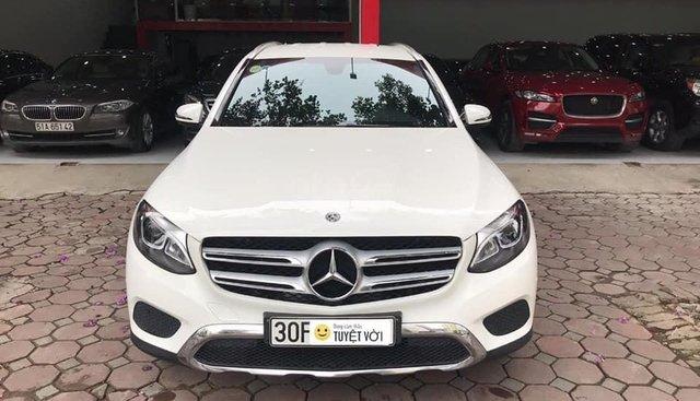 Mercedes GLC200, màu trắng, đăng kí tháng 6 - 2018, chạy lướt. LH: 0936559988 có giá đẹp hơn