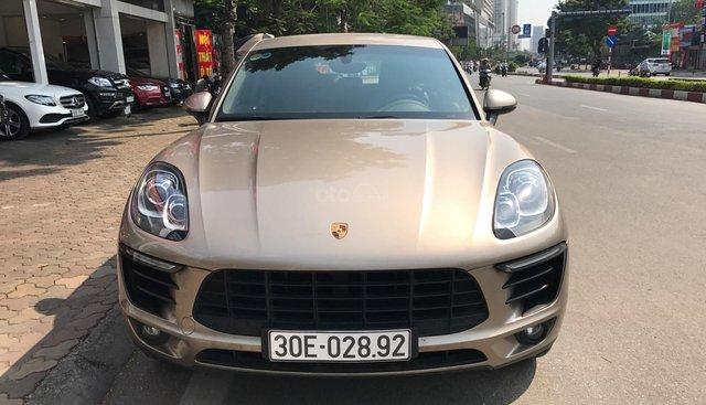 Porscher Macan 2016 màu ghi vàng