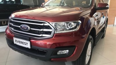 Ford Everest Ambiente 2019, nhập khẩu giá sốc tháng 5/2019