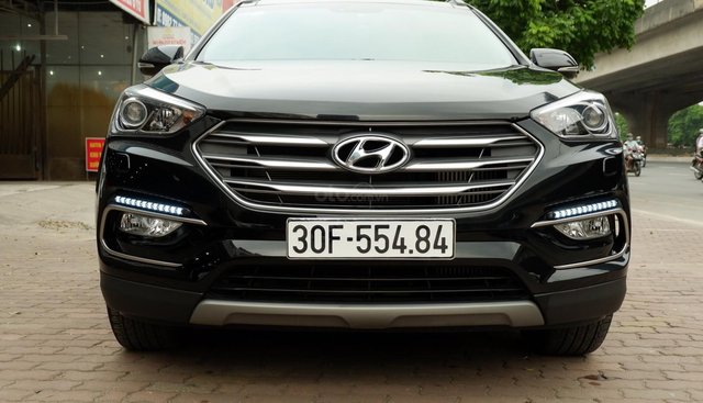 Bán ô tô Hyundai Santa Fe 2.2 CRDi Full năm 2018, màu đen