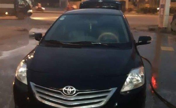 Bán Toyota Vios đời 2012, màu đen, xe gia đình