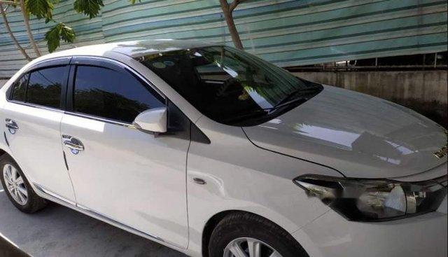 Bán Toyota Vios 1.3MT đời 2015, màu trắng