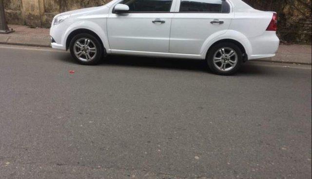 Cần bán lại xe Chevrolet Aveo đời 2017, màu trắng