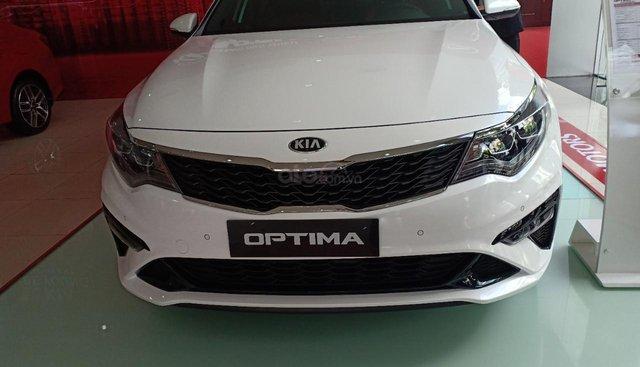 Cần bán xe Kia Optima GT Line sản xuất 2019, màu trắng