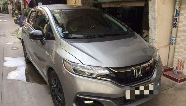 Bán gấp Honda Jazz năm 2018, màu xám, xe nhập