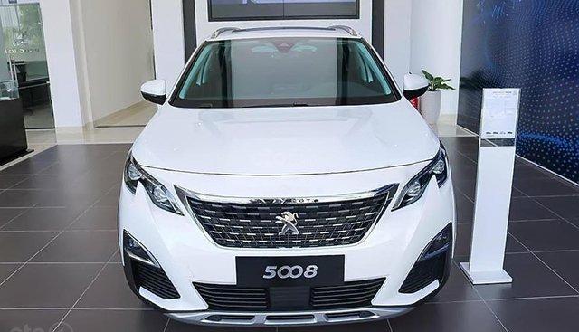 Bán xe Peugeot 5008 1.6 AT năm sản xuất 2019, màu trắng