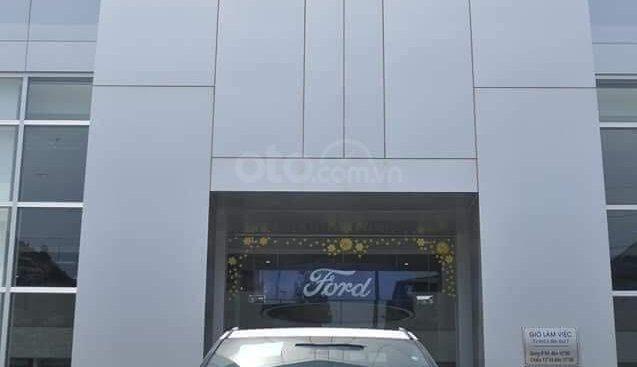 Ford Thủ Đô báo giá xe Ford Explorer khuyến mại lên đến 120tr, đủ màu, trả góp giao xe toàn quốc