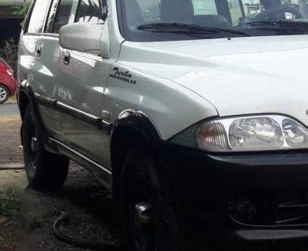 Cần bán lại xe Ssangyong Musso năm sản xuất 2003, màu trắng, xe nhập còn mới, giá chỉ 145 triệu