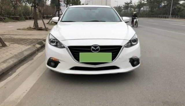 Bán xe Mazda 3 1.5 sản xuất năm 2016, màu trắng xe gia đình, giá tốt