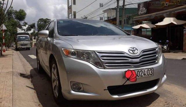 Bán Toyota Venza 2010, màu bạc, xe nhập