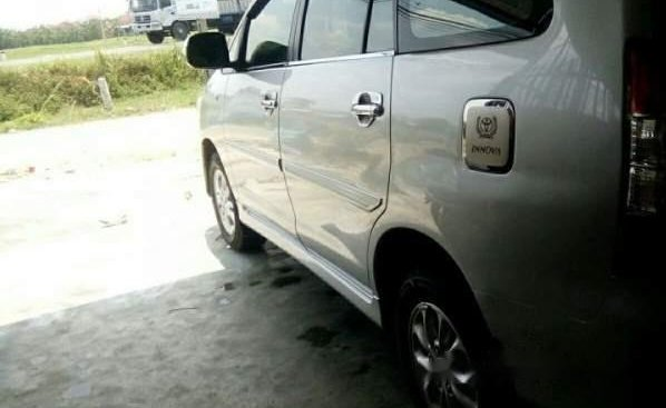 Bán ô tô Toyota Innova sản xuất năm 2014, màu bạc