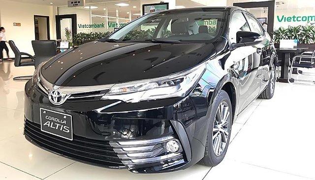 Cần bán xe Toyota Corolla Altis đời 2019, màu đen, giá tốt
