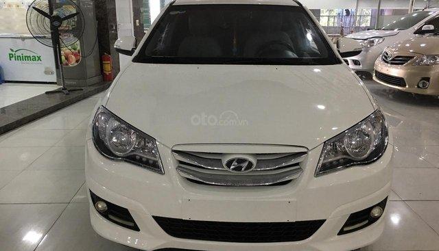 Cần bán xe Hyundai Avante sản xuất năm 2014, màu trắng