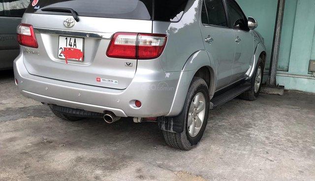 Bán Toyota Fortuner 2.7V đời 2009, số tự động màu bạc