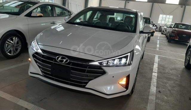 Hyundai Elantra có sẵn giao ngay - Tặng kèm 10tr phụ kiện - Đà Nẵng - Hỗ trợ vay vốn 80% - LH Hạnh 0935.851.446